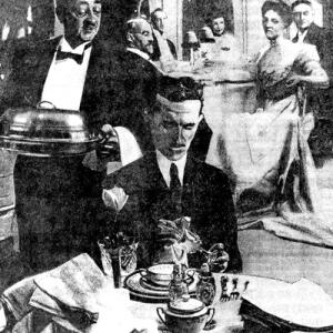 Tesla a cena